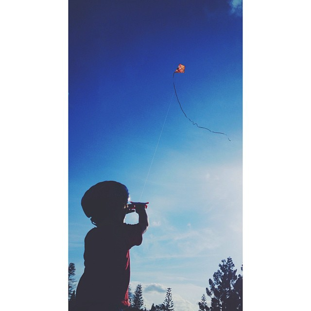 KID WITH KITE #PORTMACMIERS